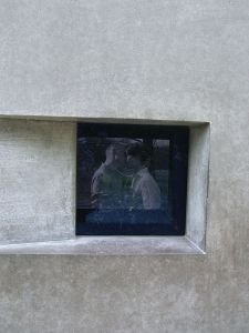 Video space in the memorial for persecuted homosexuals during the Nazi period in Berlin © Times | Wikimedia Commons