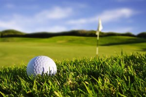 Chipping greenside Luxury Golf Experience