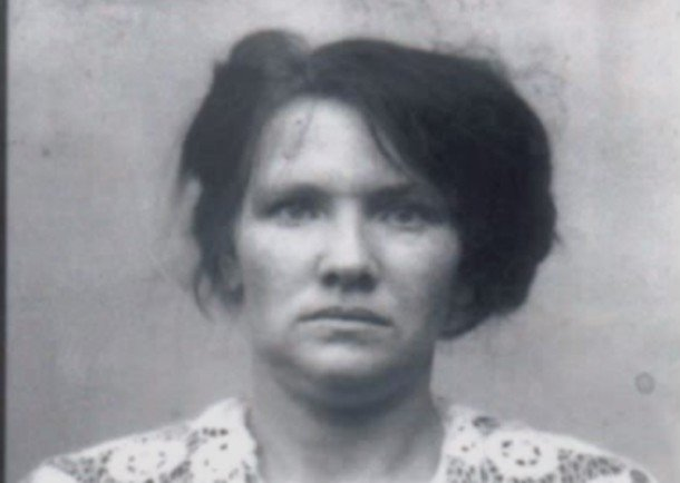 Дженнифер Тилли Засветила Соски – Побег (1994) (1994)
