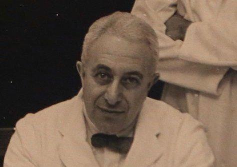 Irving Selikoff, który kierował zespołem Mount Sinai