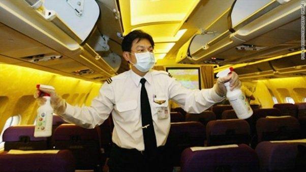 Rozpylanie pestycydów w samolotach