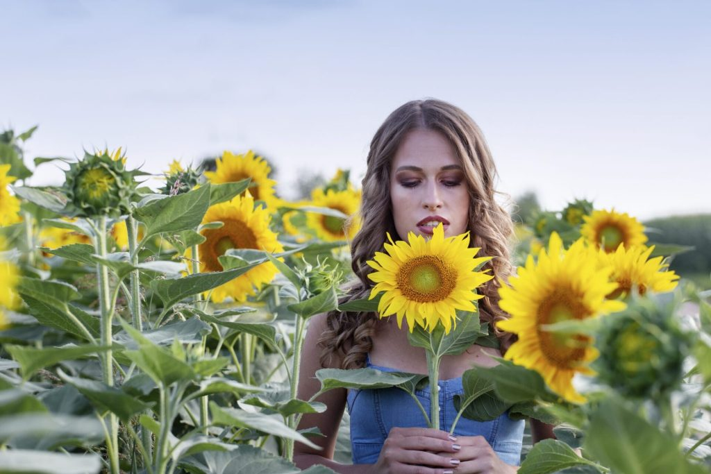 sunflower girl photo by z.pucarevic pucko