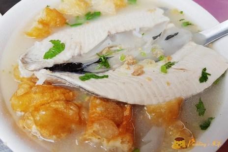 【台南美食】在地人必吃的元氣早餐《阿星鹹粥》虱目魚肚粥/菜粽肉粽