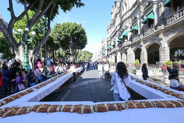 Partirán Rosca de Reyes de 150 metros en Puebla