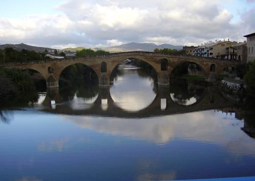 puente la reina puente romanico