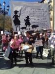 Un millar de personas de pueblos de Castilla-La Mancha se manifiestan en favor de una moratoria a las macrogranjas
