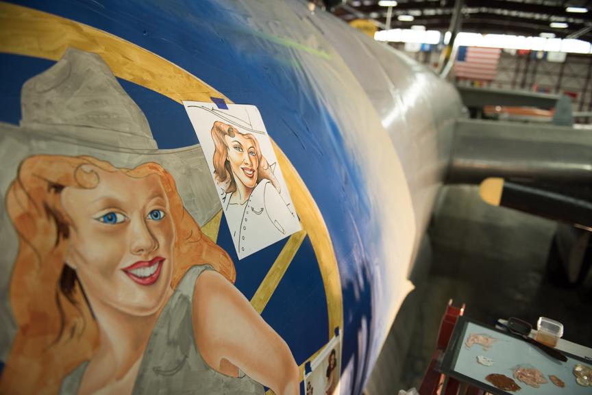 "PWAM'S Boeing B-29 Bomber ""Peachy"" Gets New Nose Art"