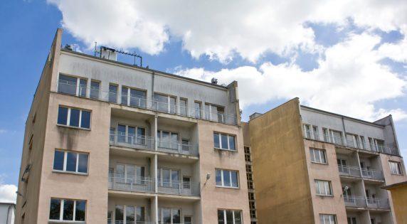 Dom wielorodzinny, ulica Tramwajowa 4.