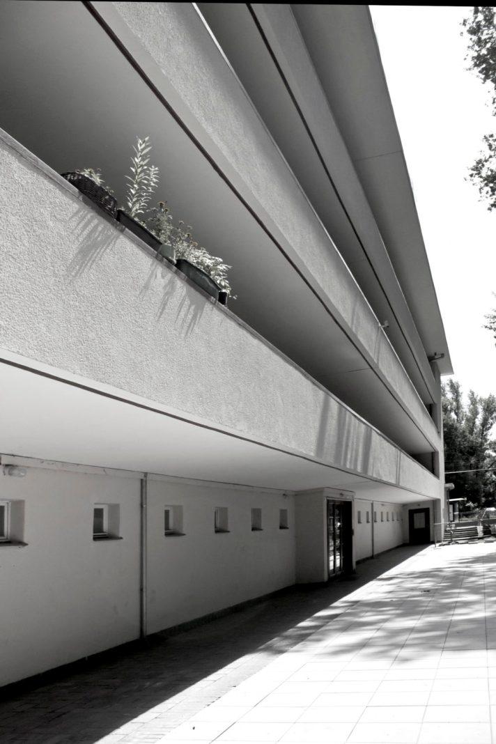 Dom galeriowy wielorodzinny, ulica Tramwajowa 2.