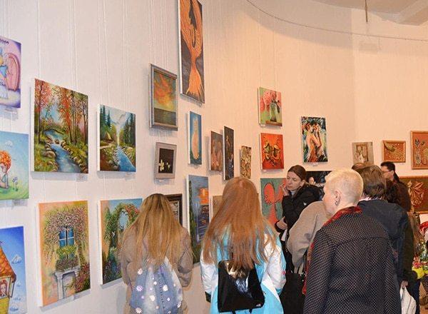 выставка картин в доме художника