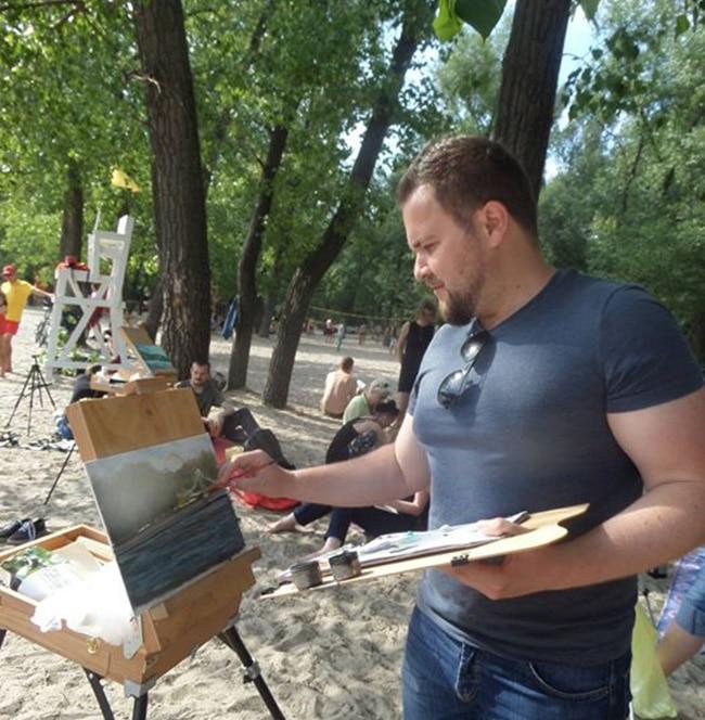 Художник Пугач Андрей на пленэре на труханвом острове