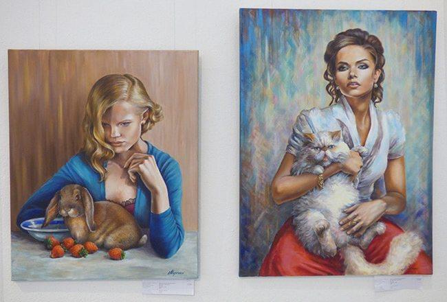 картины на выставке Art