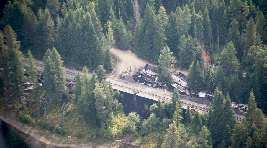 An aerial image of a coal train that derailed near the Clark Fork River, in Montana. Photo by Cameron Barnes/Lake Pend Oreille Waterkeeper/LightHawk