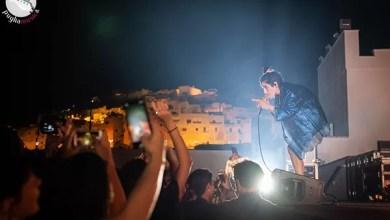 """Photo of [Report&Foto] Il doppio live di LEVANTE a Barletta e Ostuni lascia il segno: """"la musica è lo stretto necessario"""""""
