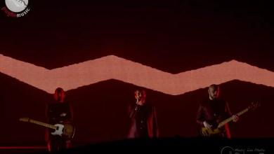 """Photo of [Repor&Foto] Il """"Filo rosso"""" di DANIELE SILVESTRI unisce insieme il pubblico del Pala Florio di Bari."""