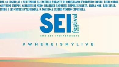 """Photo of La quattordicesima edizione del SEI FESTIVAL firmato COOLCLUB dal 18 luglio al 4 settembre: DENTE, LUCIO CORSI, GIOVANNI TRUPPI, GIARDINI DI MIRÒ, BEATRICE ANTOLINI, NAPOLI SEGRETA, ERIKA MOU, REDI HASA, INUDE E LES CONTES D'ALFONSINA @""""Castello Volante""""di Corigliano d'Otranto. Il 9 agosto a Castro evento speciale con VINICIO CAPOSSELA."""