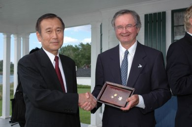 Mayor Tadatoshi Akiba of Hiroshima and Stephen Leahey, Pugwash Peace Exchange