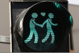 【觀點】牽著我走 維也納同志平權小綠人 Same-sex couples traffic light in Vienna