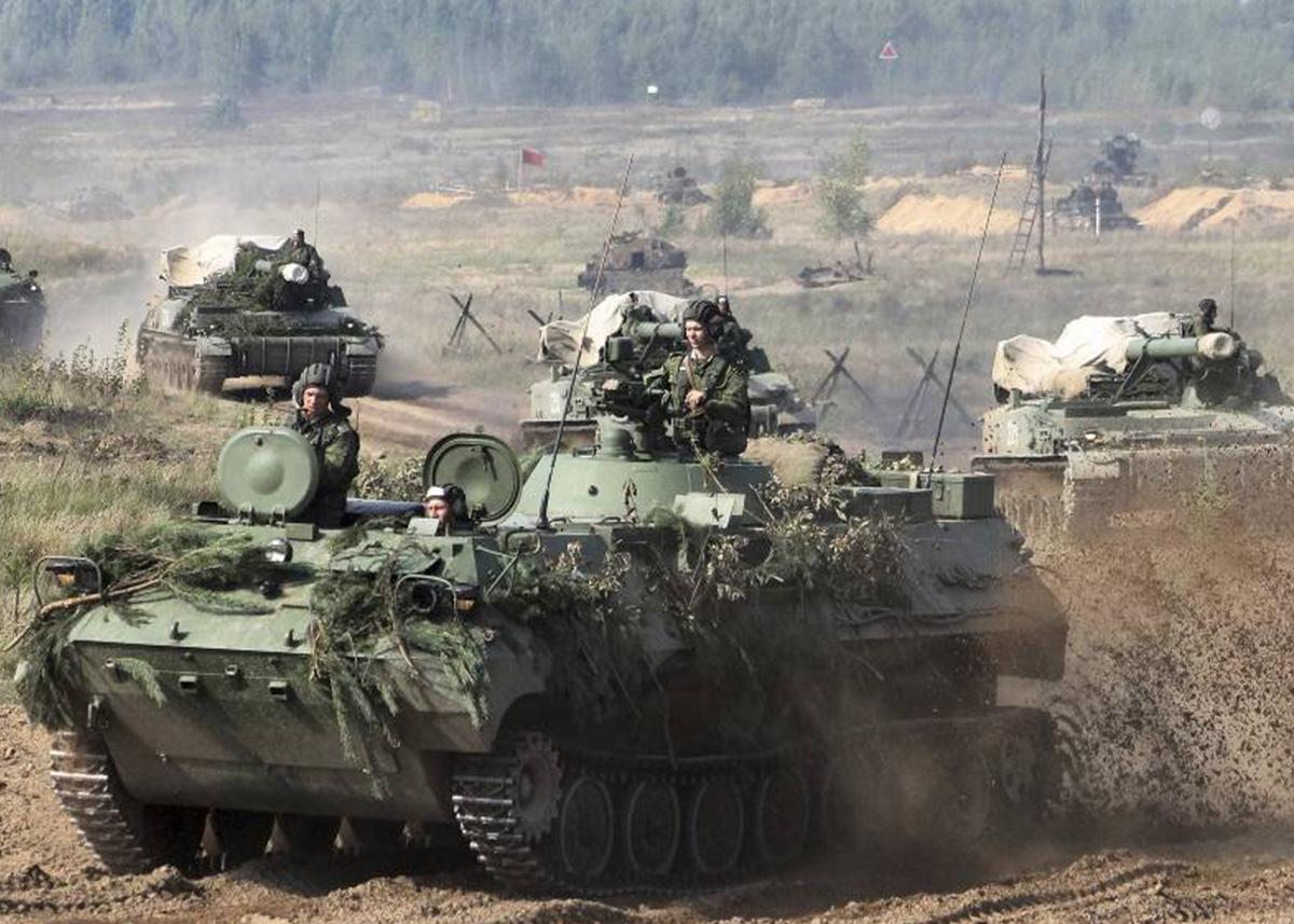 PAP | Prezes FKP Zbigniew Pisarski: przygotowania Rosji doćwiczeń Zapad-2017 – niepokojące