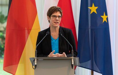 Niemiecka minister obrony Annegret Kramp-Karrenbauer gościem FKP naspotkaniu wWarszawie