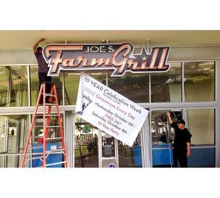Joe's Farm Grill celebrates 10 years in business with FREE Cheesburgers and a week long celebration