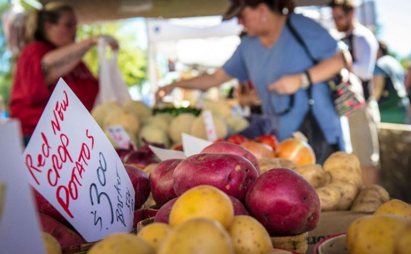 Farmers markets heat up as the weather cools down
