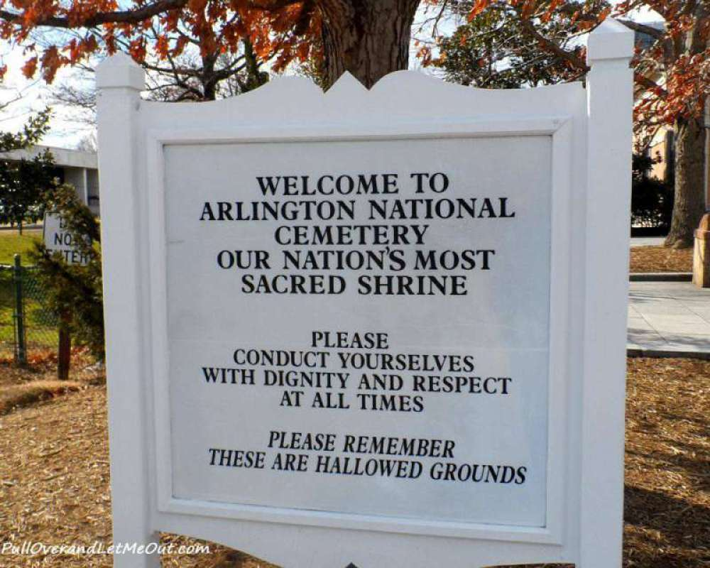 Sign-at-visitors-center