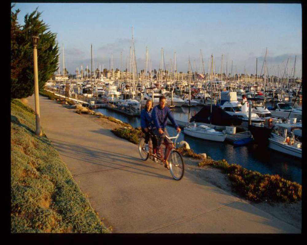 Bike-Riding-at-Harbor-Oxnar