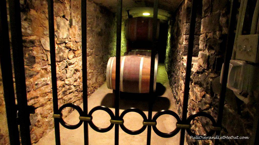 barrels-in-wine-cellar-Bilt