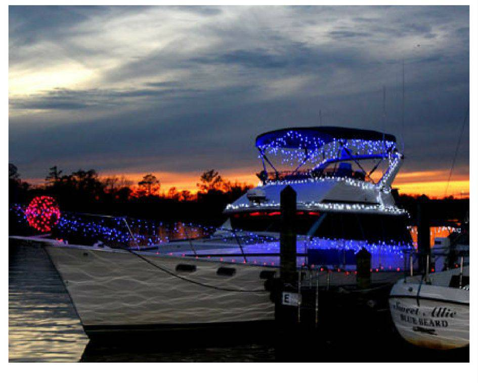 Little Washington Holiday Boat PullOverandLetMeOut