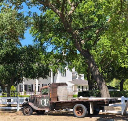 Oak Farm Vineyards truck