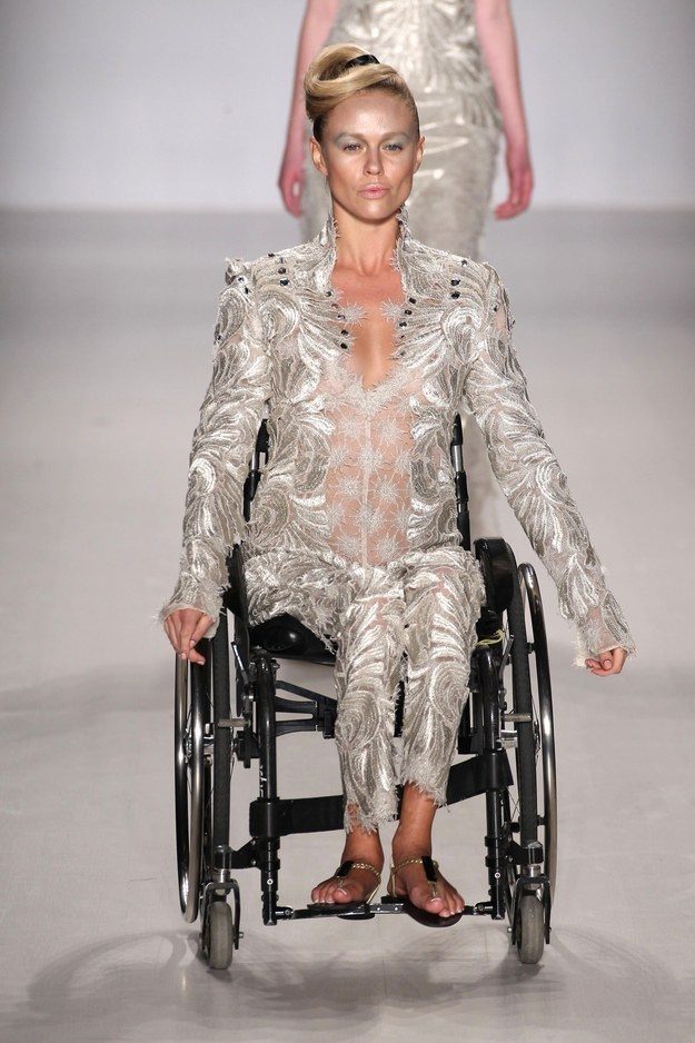 First Ever Models With Disabilities Grace The Catwalk In New York Fashion Week-4054