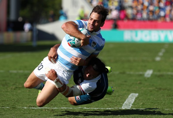 Sanchez pulls strings as classy Argentina run in seven tries