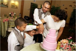 Cutting the wedding cake