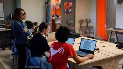 Se reinauguran talleres en la Escuela de Arquitectura