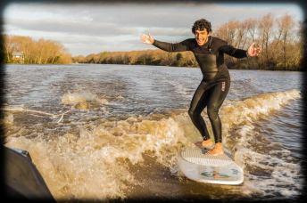 Realizando Wake surf