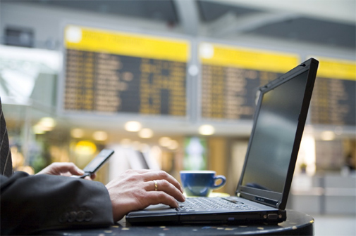 tsa-laptop-use-airport