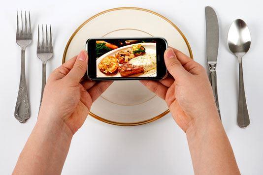 food-smartphone