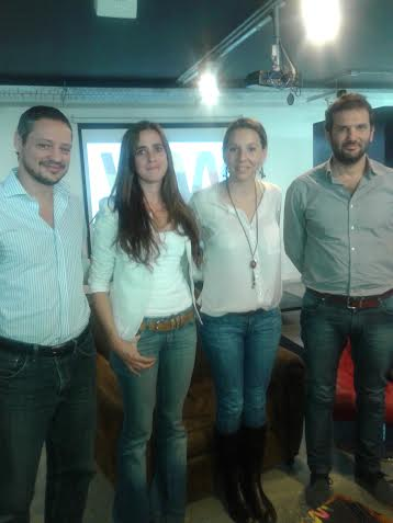 Ejecutivos de Wayra con dos emprendedores incubados actualmente por la incubadora. Martín Spinetto (Widow Games), Lorena Suárez, Lourdes Rivas (Gear Translations) y Andrés Saborido