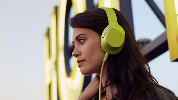 Sony-hear-holding-image
