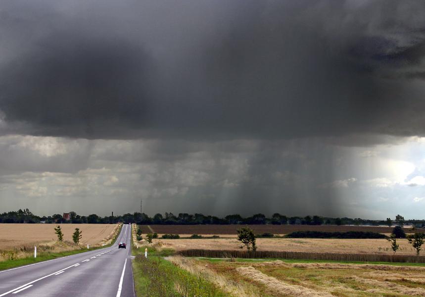 Rain's a-comin'.