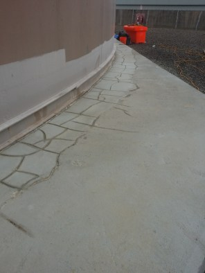 Repairing cracks in tank base [Pumpcoat]
