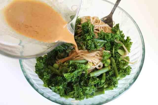Peanut Kale Soba Noodles {gluten free, vegan} // pumpkin & peanut butter