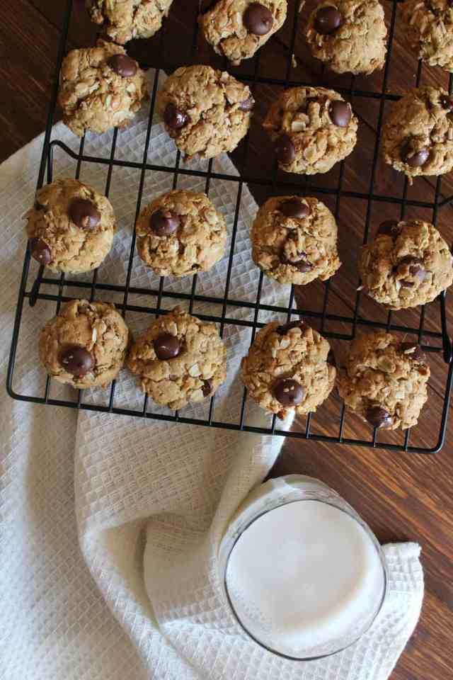 Toasted Coconut Dark Chocolate Oatmeal Cookies {made with coconut oil} // pumpkin & peanut butter