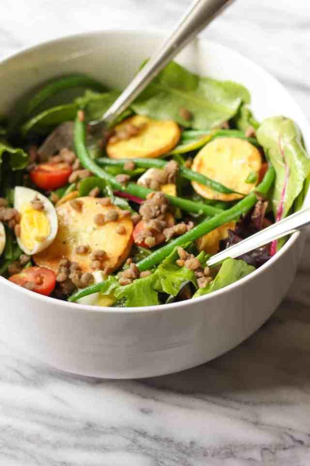 Veggie Nicoise Salad {gluten free} // pumpkinandpeanutbutter.com