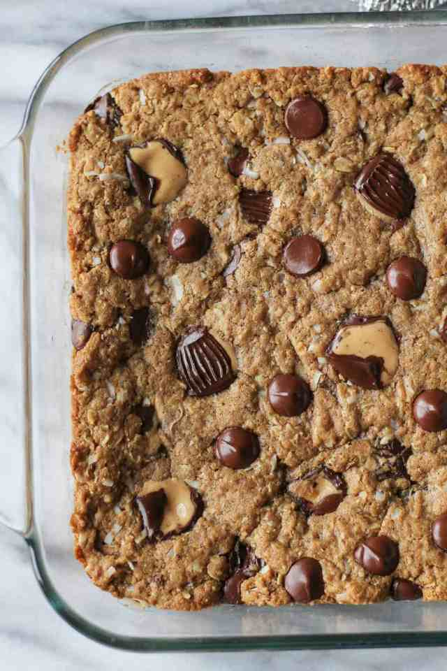 Peanut Butter Lover's Monster Cookie Bars {lightened up, vegan option} // pumpkinandpeanutbutter.com