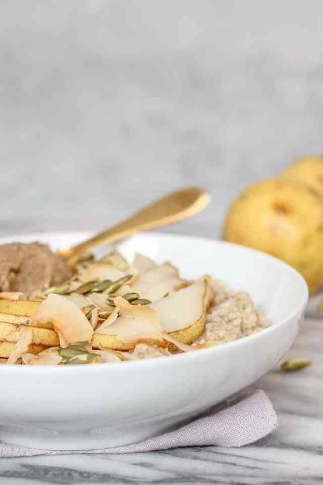 Chai Spiced Oatmeal with Pears + Toasted Coconut {vegan, gluten free} | pumpkin & peanut butter