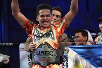 URCC-Flyweight-Champion-Carls-John-GoldenBoy-de-Tomas