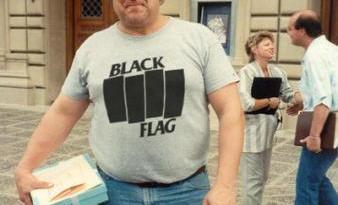Tumblr: Black Flag T-Shirt on Every Celebrity