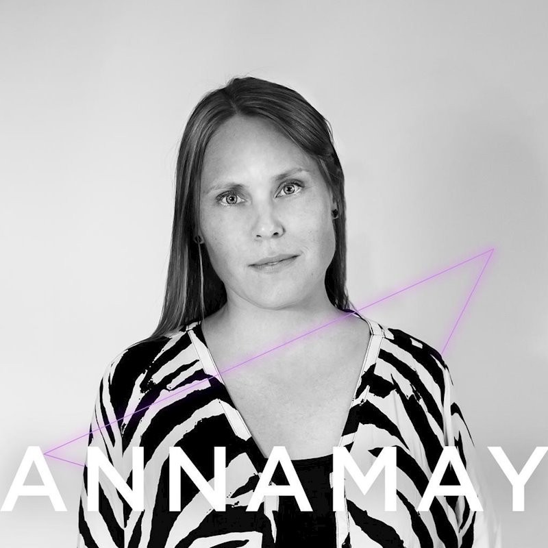 Review: Annamay – Out Of Reach